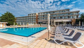 Arena Hotel Holiday