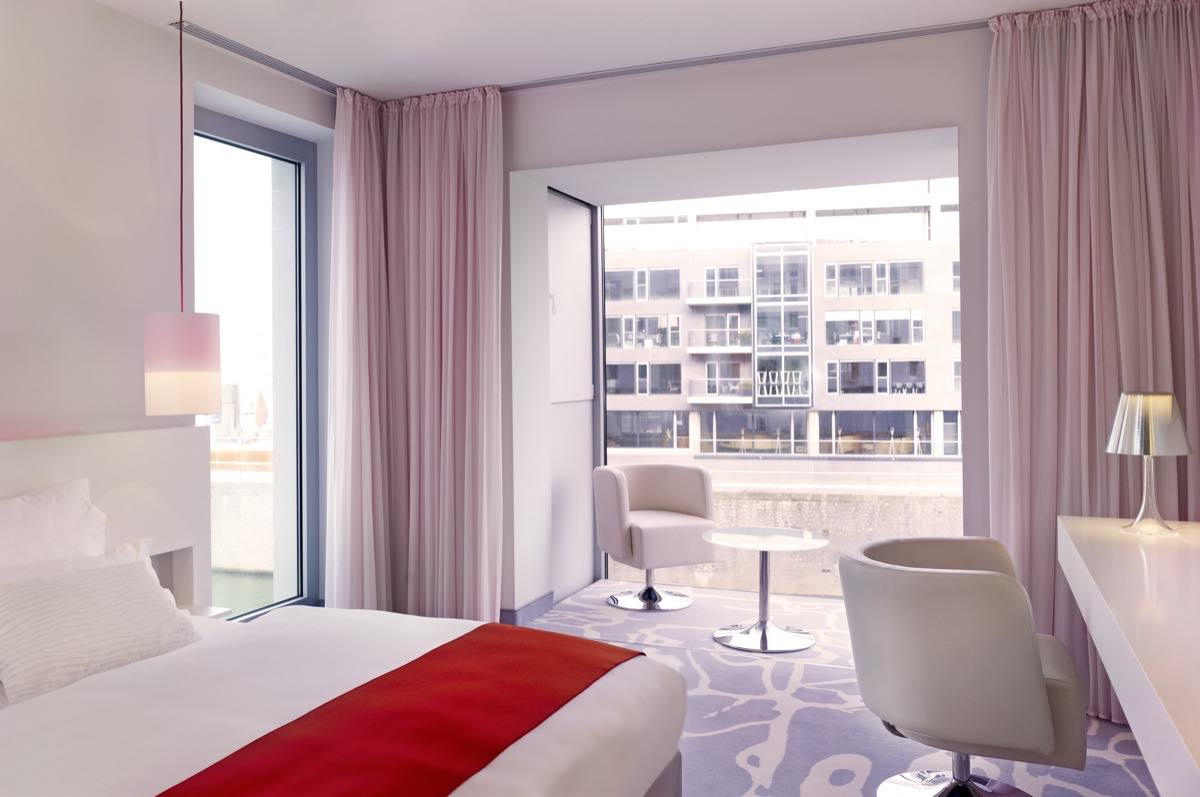 art otel cologne cologne hotel arenaturist. Black Bedroom Furniture Sets. Home Design Ideas